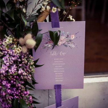 Embracing the dynamism of Ultraviolet on your wedding day